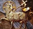Agleau en bronze doré.